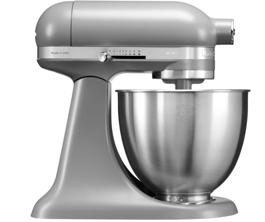 En lille og handy køkkenmaskine, som passer perfekt ind i det lille køkken eller til det lille behov.