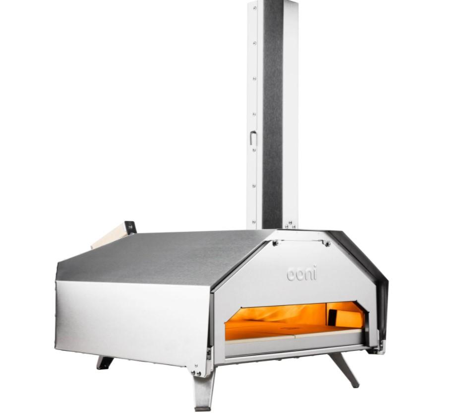 Ooni Pro er en pizzaovn til professionelt brug - eller til dig, der virkelig går op i, at dine pizzaer bliver lavet ordentligt. Det afspejler sig i prisen, men du får også virkelig meget for pengene med denne pizzaovn.