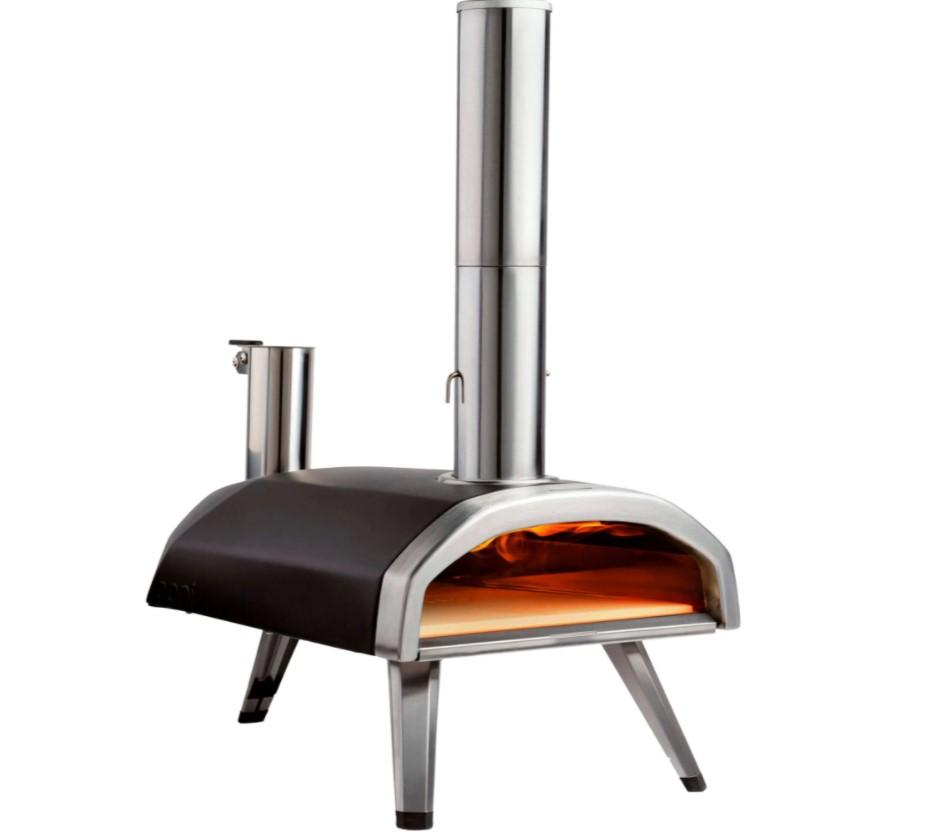 Ooni Fyra er en god, transportabel pizzaovn, som kan lave perfekte pizzaer på kort tid.
